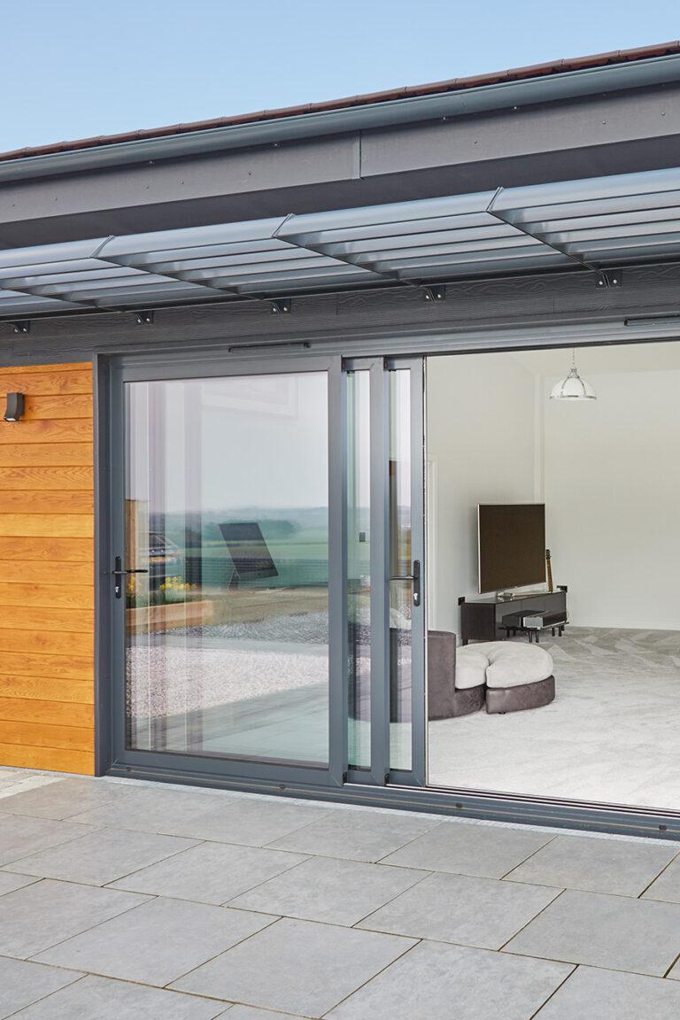 sliding-doors-1-768x1152
